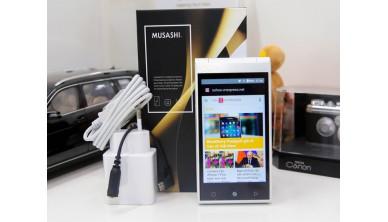 FREETEL Musashi - smartphone 2 màn hình giá tốt